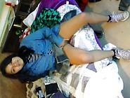 Inocente Latina Masturbandose En Falda