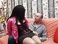 Un Padre Perverso Scopa Con La Figlia