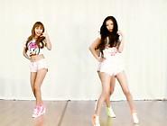 Sexy Asian Girls Dancing