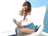 Uma Garota Com Um Pau Monstruoso