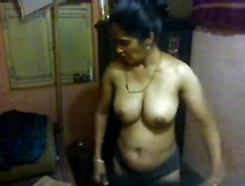 Hot Matured Milf Changing Her Clothes Had No Idea About The Hidd