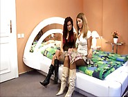 Brunettes Lesbian 69 Pussy Licking And Fingering
