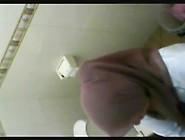 Video Ngintip Cewek Jilbab Pipis Tempek Video