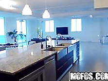 Mofos - Latina Sex Tapes - Pent-Up Lust In The Penthouse Sta