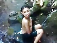 Amateur Indonesian Girl Caught Bathing In The River