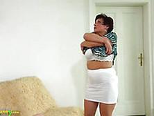 Madrasta Lésbica Transando Com Enteada Novinha Gostosa