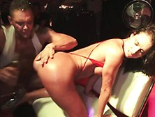 Nacho Vidal Does Some Anal Live Onto Stage Near Franceska !