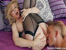 Mature Babe Nina Hartley In Tempting