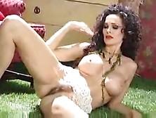 nackt Strain Julie Julie Newmar