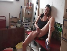 Amateur Fuck In The Workplace
