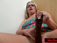 Public Flashing Fisting And Squirting At The Mall