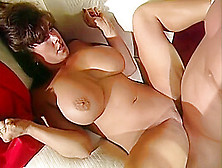 Holly body nackt