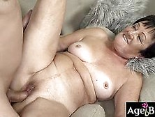 Granny Hettie Moans And Enjoy The Young Cock Of Rob
