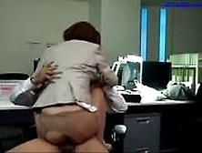 Drunken Office Lady Fucked Cum To Leg On The